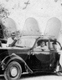 Bapa Jeune,Befandriana Sud, Madagascar,1955,Juva 4 ou Peugeot 202 ?